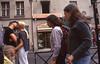 004  Rue Dauphine, stel kijkt naar kussend paar op straat