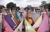 003  Tuilerieën, zeilen van scheepjes op een handkar