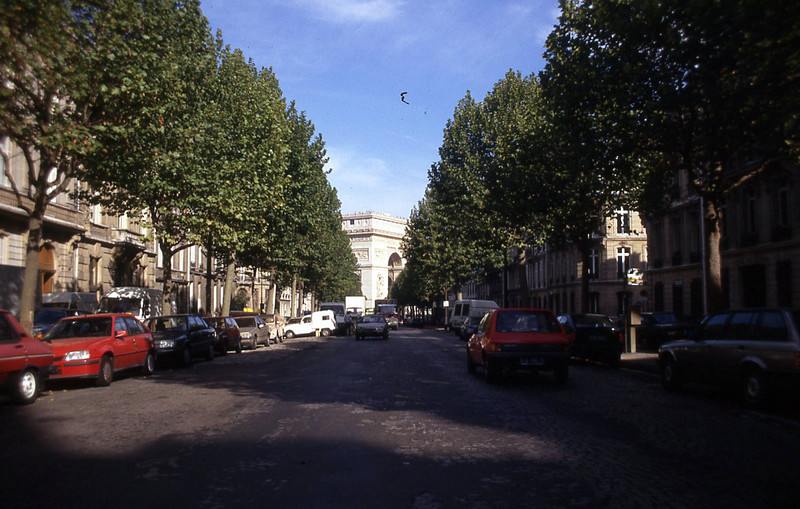 012  Paris - Avenue d'Iéna & Arc de Triomphe