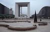 005  Axe Historique Paris - La Défense, Draaibanken op plein voor Arche