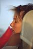 001  Axe Historique Paris - hulpje Parijse fotograaf slaapt in bus