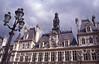 021  Paris - Hotel de Ville en lantaarnpaal