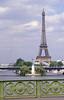 006  Paris - Pont Mirabeau, Eiffeltoren en replica Vrijheidsbeeld