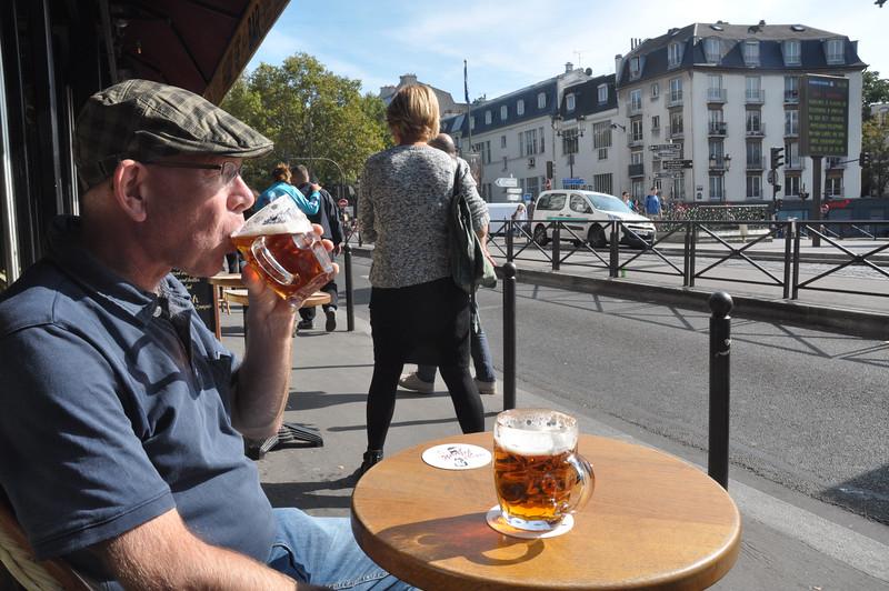 086  Paris -