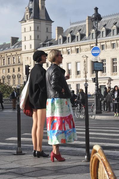 028  Parijs - Place Saint Michel