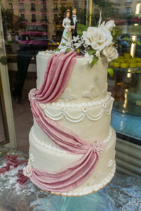 Paris, France, Shopping,  French Wedding Cake on Display in Bakery Shop Window, Oberkampf Area