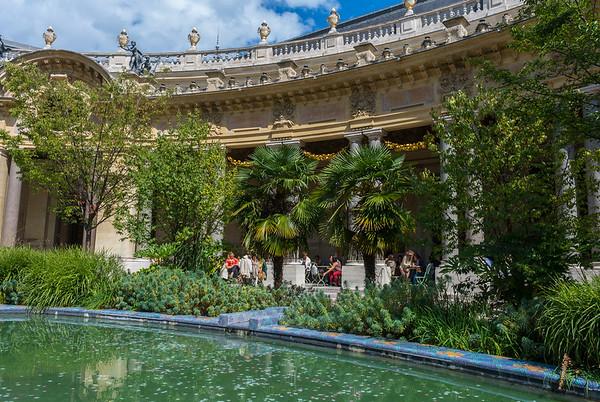 Paris, France, Tourists Visiting French Museum, Petit Palais, Urban Garden