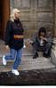 332  Paris - Bedelaar voor de deur van Saint Eustache