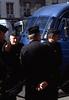 339  Paris - Agenten wachten op demonstrerende boeren