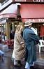 331  Paris - Passanten bij café Eglise Saint Eustache