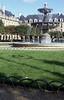 336  Paris - Schaduw lantaarn op Place des Vosges