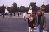 042  Man en vrouw bij zebra Rond Point