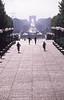 031  La Défense, Oedi en Tom op Esplanade, Arc de Triomphe