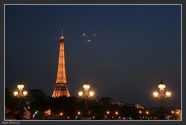 UFOs over Paris