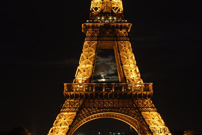Full Moon Eiffel