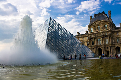Louvre - Fountain and the Pyramid