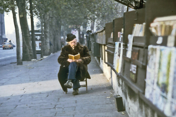Bouquiniste Paris France - Feb 1979