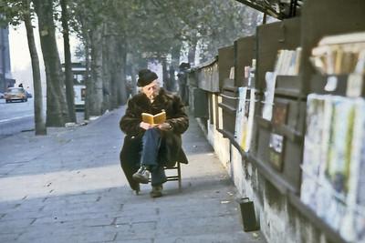 Bouquiniste Paris France - Feb 1979