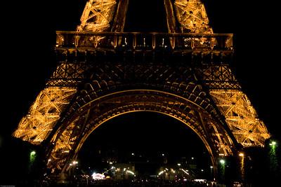 Eiffel Tower at night-2