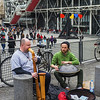 Street musicians at Pompidou center