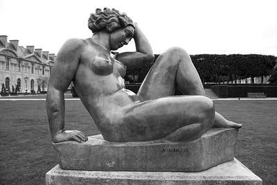 Tuileries Garden Statue with bulky limbs