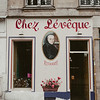 hand painted restaurant sign  in Paris