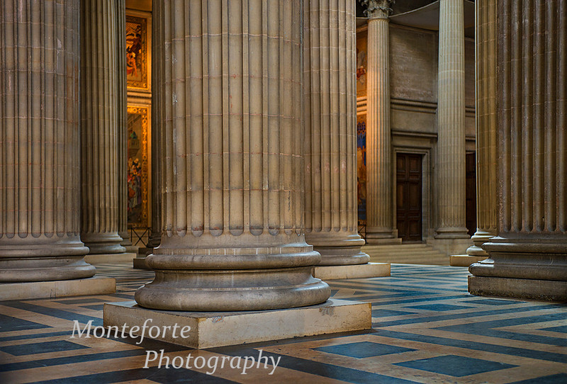 Columns inside Napoleans tomb