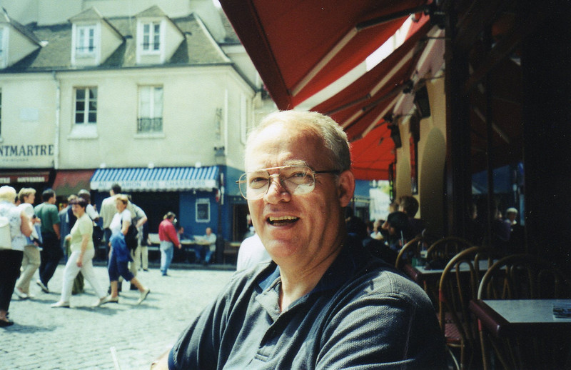 "Ed: cafe break at Place du Tertre, ""mo-mart"""