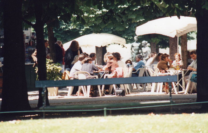 Cafe in the Tuilleries