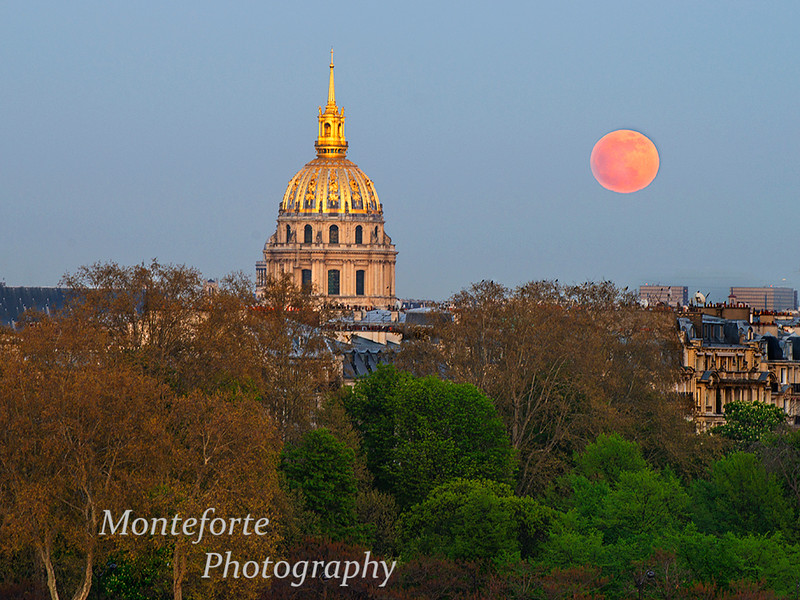 Napoleans tomb with full moon