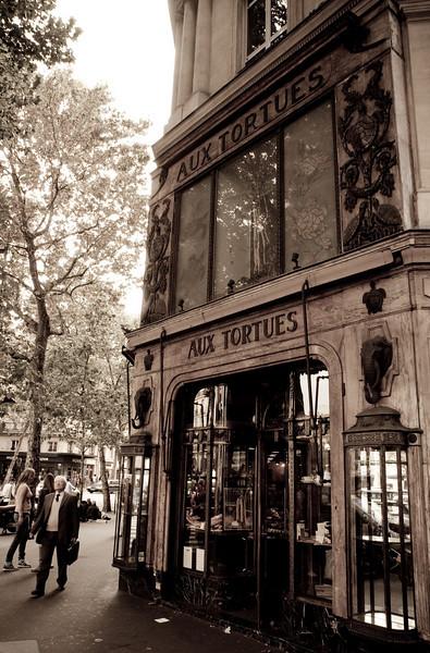 Aux Tortues (Blvd Hausman / Rue Tronchet)