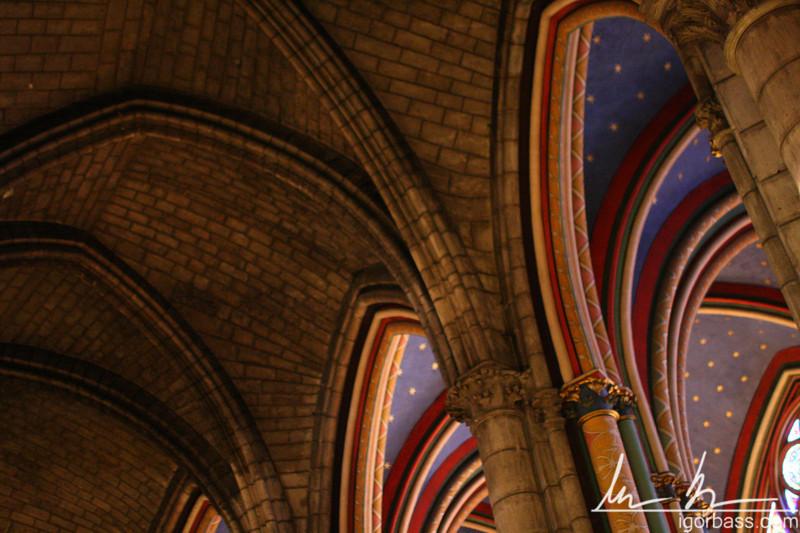 Notre Dame Arches (Paris, FR)