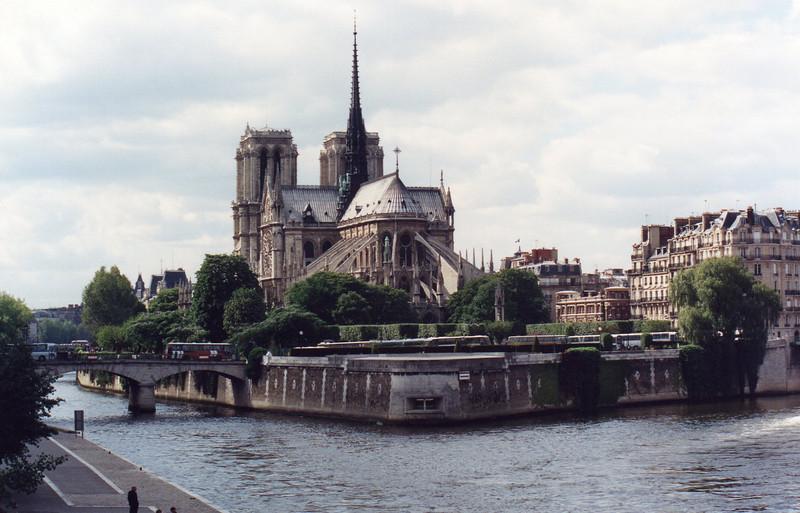 Notre Dame, Ile de la Cite: from Left Bank