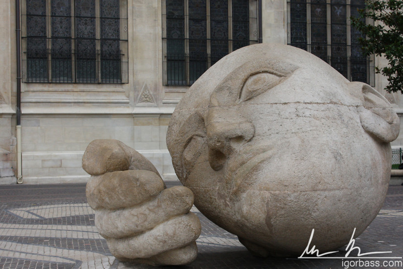 Saint Eustache Statue, Les Halles (Paris, FR)