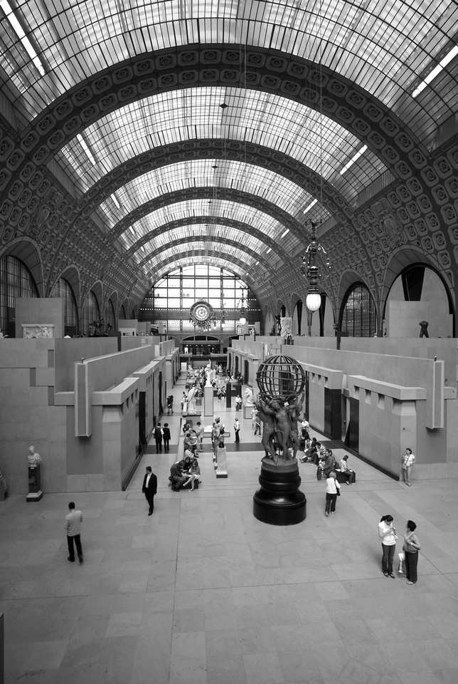 Quick wide snappy from inside Orsay.