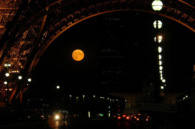 Full Moon under Eiffel