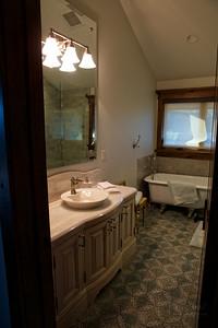 UL Guest Bath