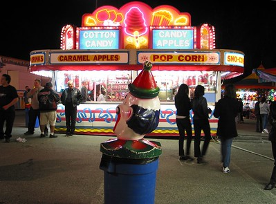Trash Can, Amusement Park, Wheaton Maryland - March 2002
