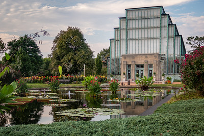Art Deco Jewel Box in Forest Park