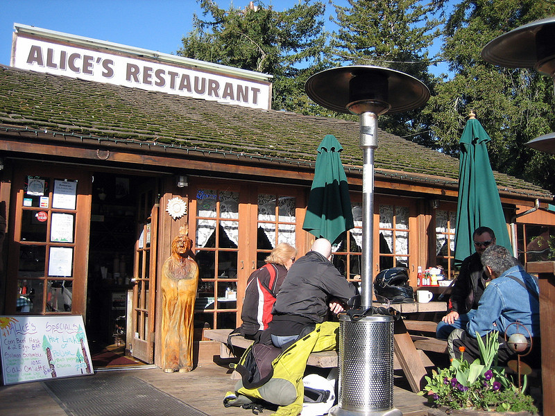 <strong>Thursday, March-20</strong>  It's 09:00am and we all gather for breakfast at Alice's Restaurant on Skyline Blvd - close to Vijay's place – There's Mack (Auckland), David (Seattle), Vijay, Richard (local) who we first met on Tuesday evening, and myself & Ellen.   Before 10:00am we all set off towards the Pacific coastline.   BUT, I have had better starts!  -------------------------  Now it has been said that a rider + pillion is most vulnerable during the first and the last 100 miles of any long-distance tour. This morning I proved that this can occur during the first <strong>10</strong> miles. I won't go into detail, but here's clue as to what happened to me within the 15 minutes of setting off ..