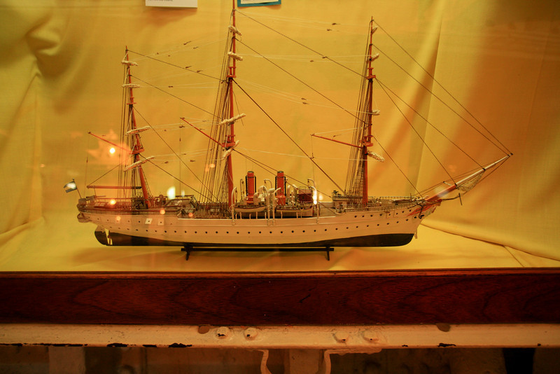 "06. Model of the frigate, ""Presidente Sarmiento."""