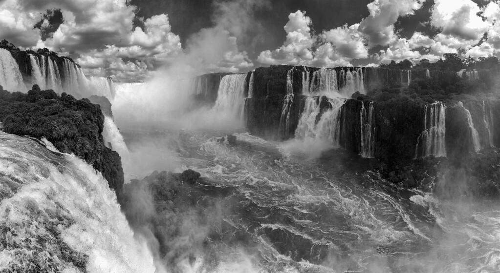 Devils Throat_Iguazu_ 16x30