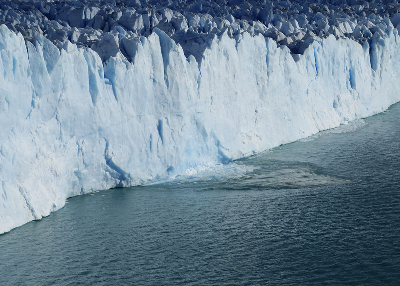 Glacier Moreno, an ice break off