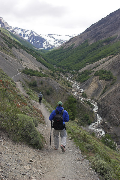 Trekking up the Valley Ascencio