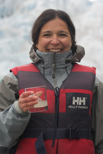 The boat crew serves Pisco Sour drinks made with the ice from the glacier.