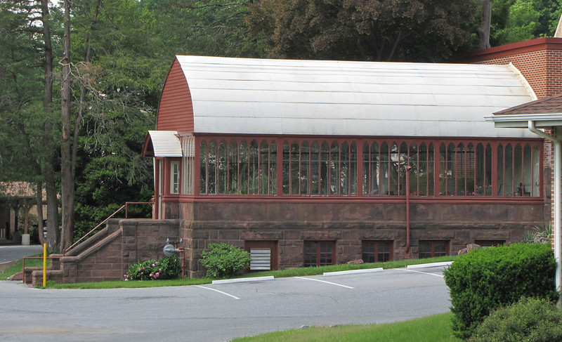 Cornwall Manor - Greenhouse Restored and Used