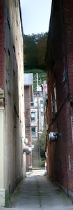 Narrow street in Jim Thorpe town.