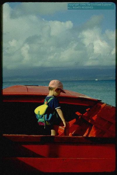 Boy_with_boat