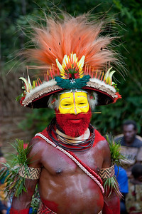 "The Huli ""Wigmen"" chief at the Paiya Cultural Show"