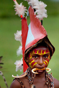 Sasai young tribesman from Madang at the Mt Hagen Sing-Sing